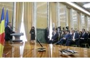 Participarea premierului Mihai Tudose la ceremonia de semnare a contractelor pentru achiziția a 14 echipamente Computer Tomograf (CT), 24 aparate de Rezonanță Magnetică (RMN) și 21 de sisteme informatice PACS împreună cu ministrul Sănătății, Florian Bodog