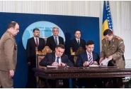 Participarea premierului Mihai Tudose la semnarea contractului dintre Ministerul Apărării Naționale și General Dynamics