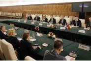 Convorbiri oficiale în plenul celor două delegații