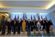 Fotografia de familie a celor doi prim-miniștri, împreună cu miniștrii