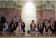 Ceremonia de semnare a unor documente