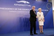 Întâmpinarea președintelui Comisiei Europene, Jean-Claude Juncker, de către premierul Viorica Dăncilă