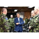 Visite du Premier ministre Dacian Cioloș chez les militaires roumains du KFOR et EUFOR ALTHEA