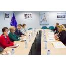 Prime Minister of Romania Viorica Dăncilă meets with the European Commissioner for Regional(...)