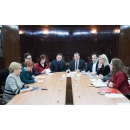 PM Viorica Dancila meets with the representatives of the support associations for children and(...)