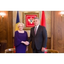 Prime Minister Viorica Dancila is welcomed by the President of Montenegrin Parliament Ivan Brajović