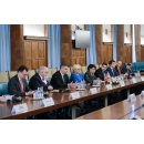 Plenary talks between the two delegations