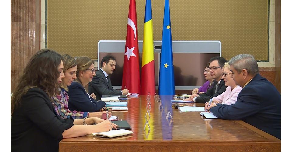 Întrevederea prim-ministrul României, Viorica Dăncilă cu ministrul comerțului din Republica(...)