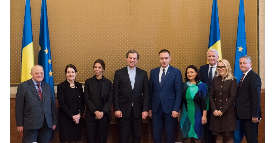 Întâlnirea premierului interimar Mihai-Viorel Fifor cu reprezentanții American Jewish Committee(...)