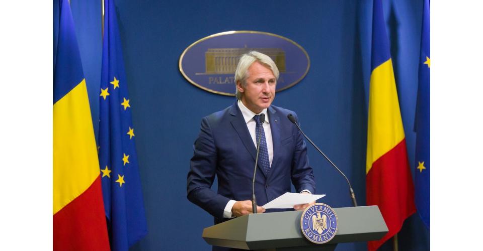 Briefing de presă susținut de ministrul finanțelor publice, Eugen Orlando Teodorovici și(...)