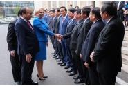Întâmpinarea prim-ministrului R. S. Vietnam, Nguyen Xuan Phuc, de către prim-ministrul Viorica Dăncilă