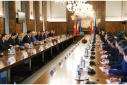 Convorbiri în plenul celor două delegații