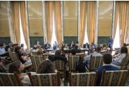 Conferință pe tema pregătirii mandatului României la președinția Consiliului UE, organizată la Palatul Victoria de participanți la programul de internship al Guvernului