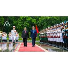 2097906092 Prime Minister of Romania
