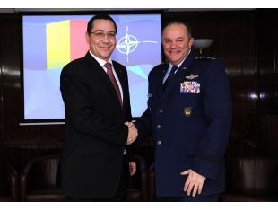 Primul-ministru Victor Ponta l-a primit pe comandantul suprem al Forțelor Aliate din Europa, generalul Philip M.Breedlove