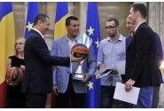 Primul-ministru Victor Ponta a premiat echipa masculină de baschet 3x3, câstigătoare a primei ediții a Campionatului European de Baschet 3x3